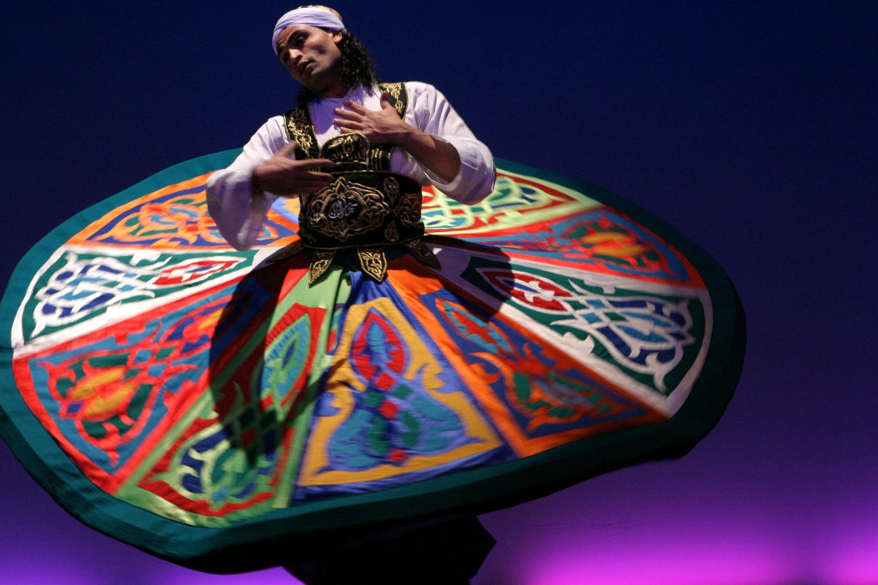 Tanoura dancer Bab Al Shams